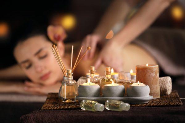 woman enjoying a aromatherapy massage